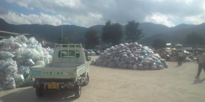 小学校廃品回収20120826