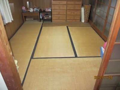 成羽小林2階前20121121